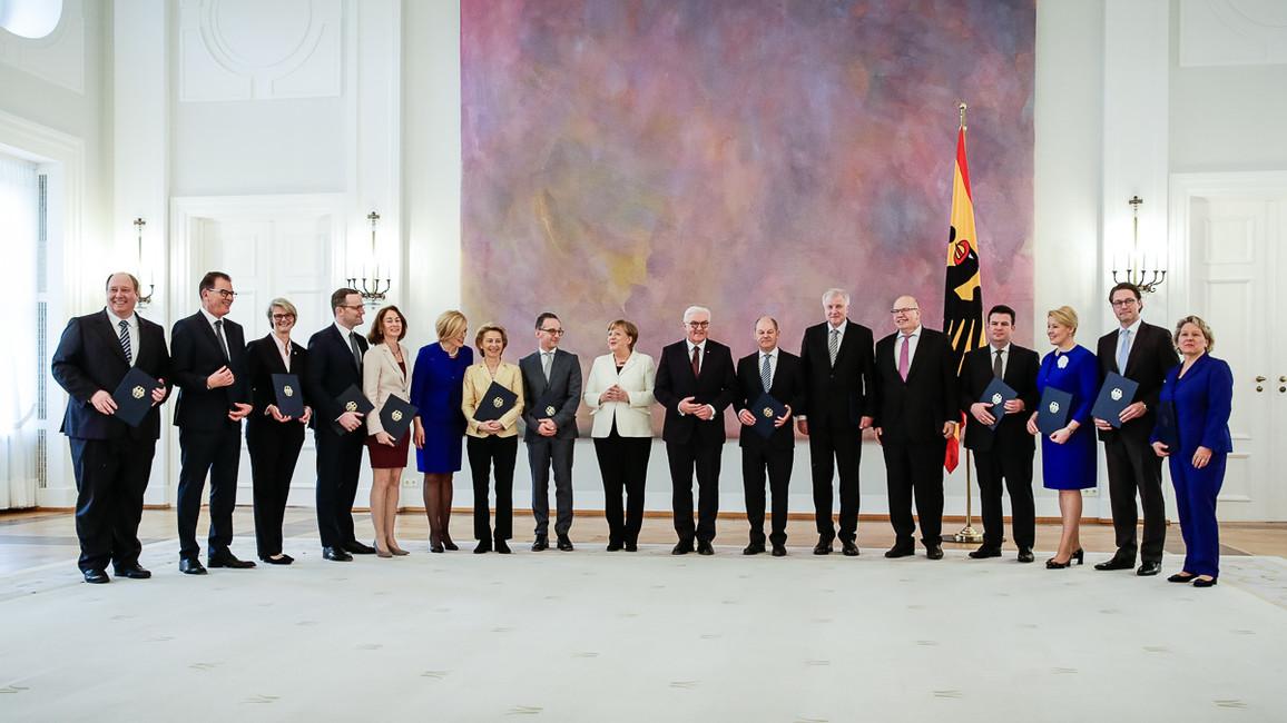 Bundesministerin Anja Karliczek (3.v.l.) nach ihrer Ernennung