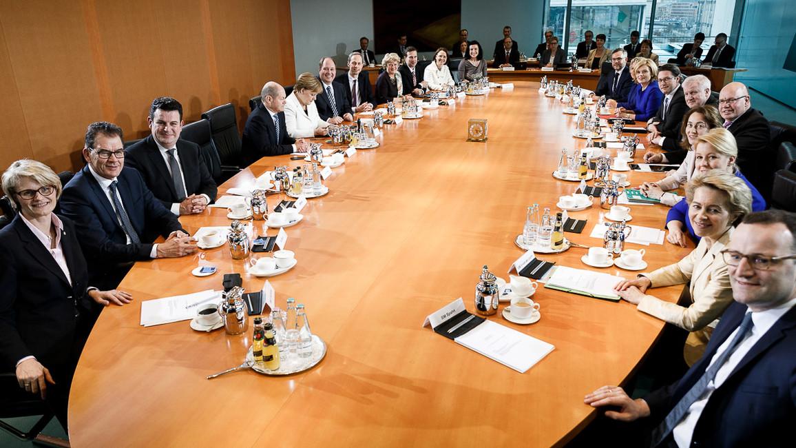 Konstituierende Sitzung des Bundeskabinetts.