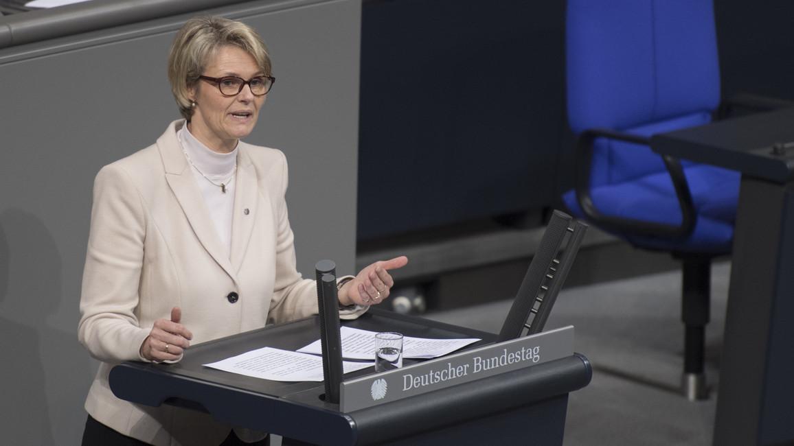 Bundesministerin Anja Karliczek erläutert im Rahmen ihrer Regierungserklärung die Ziele der Legislaturperiode im Bereich Bildung und Forschung