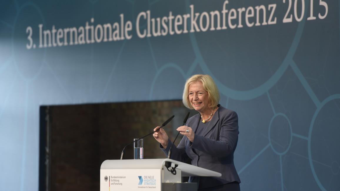 Johanna Wanka auf der 3. Clusterkonferenz in Berlin