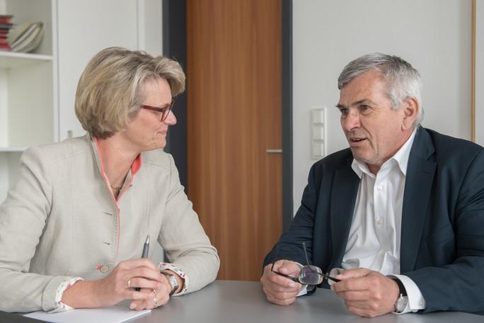 In Berlin traf Bundesministerin Anja Karliczek mit dem Ersten Vorsitzenden der IG Metall, Jörg Hofmann, zu einem Gespräch zusammen