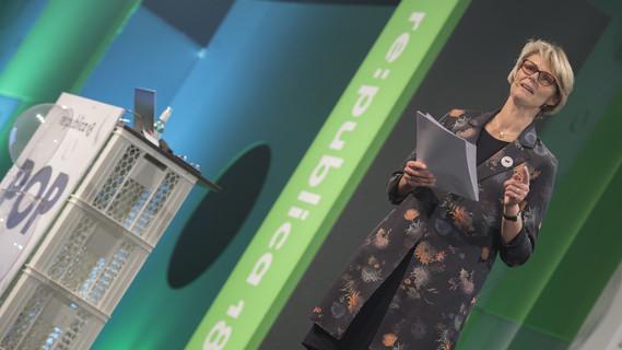Bundesministerin Anja Karliczek während ihrer Rede im Rahmen der Verleihung des Hermes Award 2018