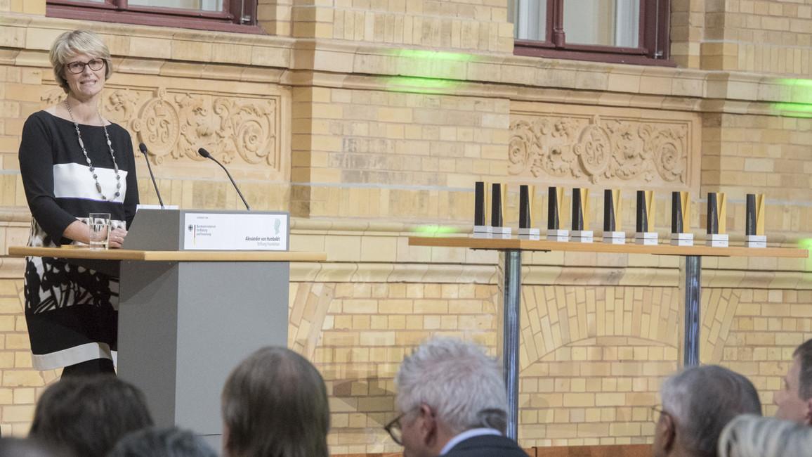 Bundesministerin Anja Karliczek während ihrer Rede im Rahmen der Verleihung der Alexander von Humboldt-Professuren 2018.