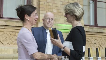 Die Alexander von Humboldt-Professur 2018 für Anne van Aaken. Sie arbeitet zukünftig an der Universität Hamburg.