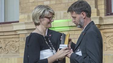Die Alexander von Humboldt-Professur 2018 für Peter Baumann. Er arbeitet zukünftig an der Universität Mainz.