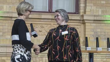 Die Alexander von Humboldt-Professur 2018 für Ewa Dabrowska. Sie arbeitet zukünftig n der Universität Erlangen-Nürnberg.