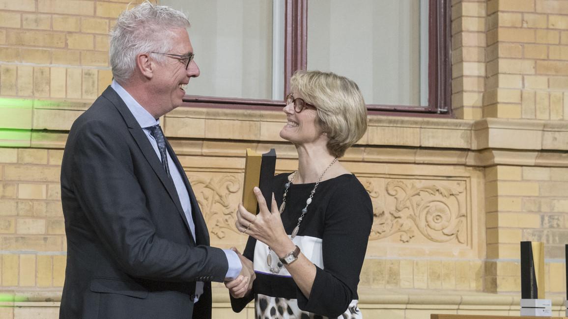 Die Alexander von Humboldt-Professur 2018 für Guus F. Rimmelzwaan. Er arbeitet zukünftig in der Stiftung Tierärztliche Hochschule Hannover.