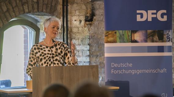 In Anwesenheit von Cornelia Quennet-Thielen, Staatssekretärin im Bundesministerium für Bildung und Forschung, wurden in Berlin die Heinz Maier-Leibnitz-Preise 2018 verliehen. Dieser werden an junge Forscherinnen und Forscher in Anerkennung ihrer wissenschaftlichen Arbeit verliehen.