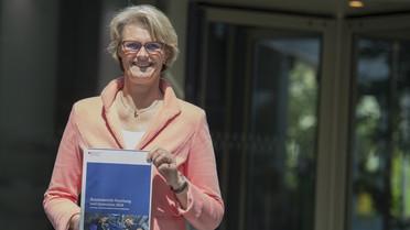Bundesministerin Anja Karliczek stellt den Bundesbericht Forschung und Innovation 2018 vor