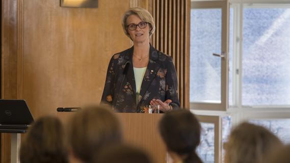 'Berufliche und akademische Bildung als echte gleichwertige Bildungswege nebeneinander zu stellen - das ist mein Ziel', sagte Anja Karliczek.