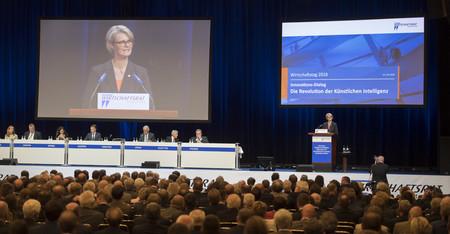 Bundesministerin Anja Karliczek während ihrer Rede im Rahmen der Dialogveranstaltung \'Die Revolution der künstlichen Intelligenz\'