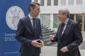 Georg Schütte, Staatssekretär im Bundesministerium für Bildung und Forschung, im Gespräch mit dem Präsidenten der Leopoldina, Jörg Hacker