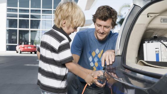 Betankung eines Elektroautos