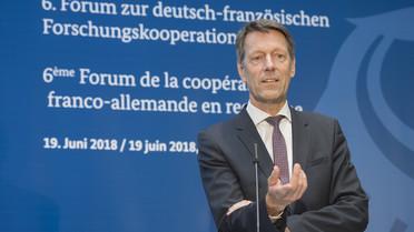 Georg Schütte, Staatssekretär im Bundesministerium für Bildung und Forschung, beendet mit seinen Schlussworten das 6. Forum zur deutsch-französischen Forschungskooperation