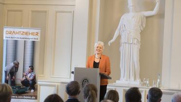 \'Wir wollen moderne Berufsbilder ausbauen\', sagte Staatssekretärin Cornelia Queret-Thielen.