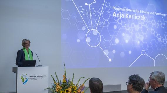 Bundesforschungsministerin Anja Karliczek während ihrer Eröffnungsrede