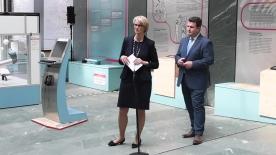 Poster zum Video Bundesministerin Anja Karliczek und Bundesminister Hubertus Heil zur KI-Strategie der Bundesregierung
