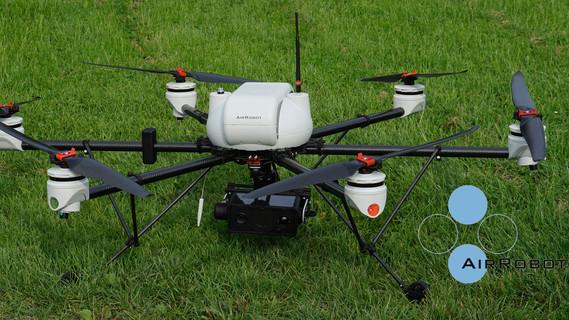 Flugobjekt (Drohne) mit sechs Rotoren und 3D-Messsystem