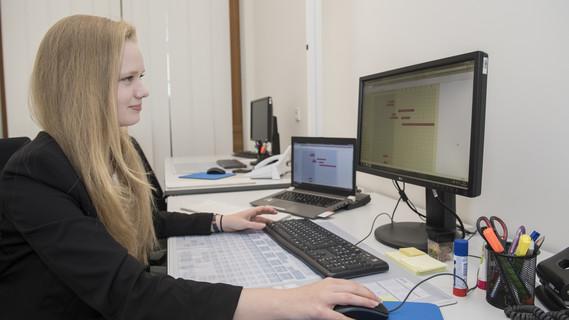 Stine Kaßmann ist Auszubildende zur Verwaltungsfachangestellten, Fachrichtung Bundesverwaltung