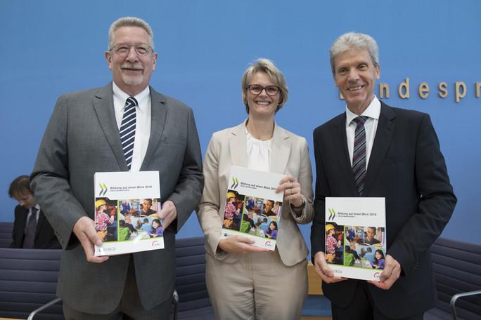 Vorstellung des OECD-Berichts im Rahmen einer Pk