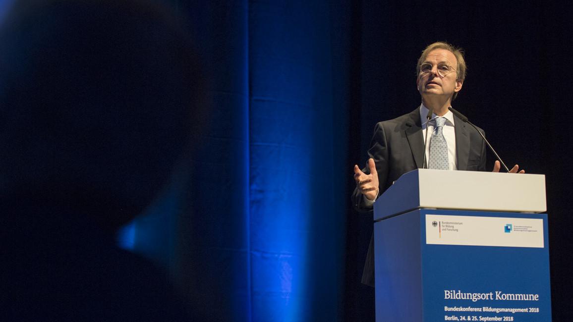 Thomas Rachel, Parlamentarischer Staatssekretär bei der Bundesministerin für Bildung und Forschung, eröffnete mit einem Grußwort die Konferenz.