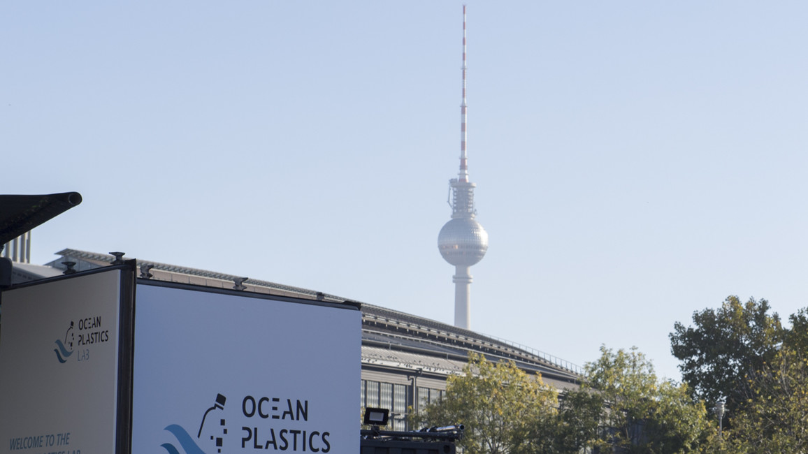 Poster zum Video Ocean Plastic Lab in Berlin