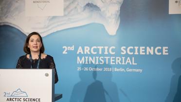 """&quotFinnland ist der Auffassung, dass es wichtig ist, eine vielseitige und fachübergreifende Zusammenarbeit in der Arktisforschung auf globaler Ebene zu fördern. Dabei müssen wir alle Beteiligten berücksichtigen"""", sagt die finnische Bildungsministerin Sanni Grahn-Laasonen."""