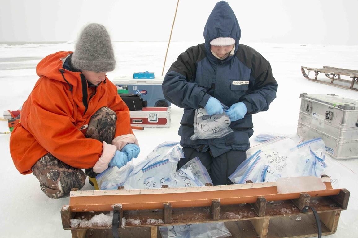 An der Expedition haben auch vier Studierende des deutsch-russischen Masterstudiengangs für Polar- und Meereswissenschaften POMOR teilgenommen. POMOR wurde im September 2018 für weitere fünf Jahre an der Universität Hamburg akkreditiert.