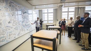 Welche Rolle spielt Industrie 4.0 in der Ausbildung bei Siemens? Jaime Garcia del Hoyo, Auszubildender im 3. Lehrjahr aus Spanien, erläutert es.