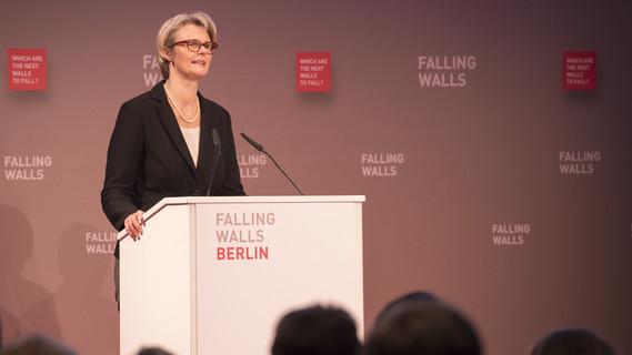 Während ihrer Rede