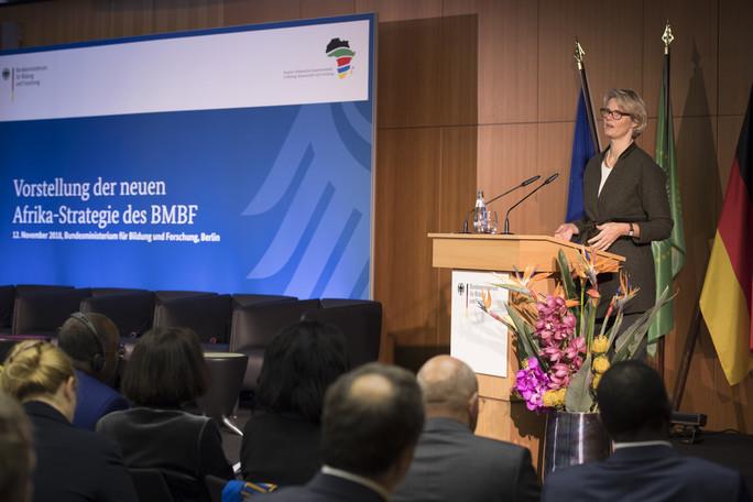 Bundesministerin Anja Karliczek stellt die neue Afrika-Strategie des BMBF vor
