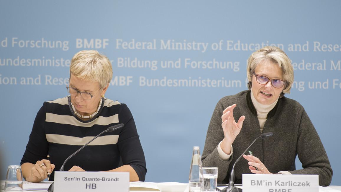 Pressekonferenzmit Ministerin Karliczek und Senatorin Quante-Brandt nach der Sitzung der GWK