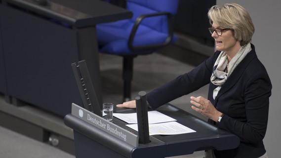 Bundesministerin Anja Karliczek während ihrer Haushaltsrede