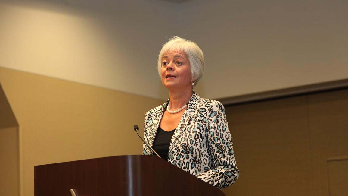 Cornelia Quennet-Thielen spricht auf der GAIN 2015 in San FranciscoCornelia Quennet-Thielen spricht auf der GAIN 2015 in San Francisco