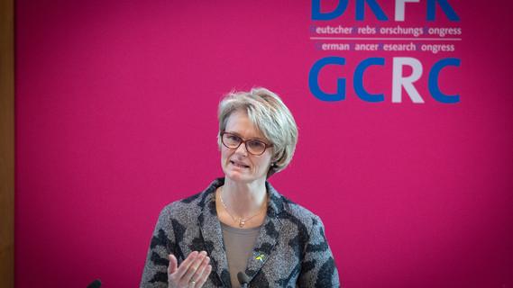 Bundesministerin Anja Karliczek eröffnet den Krebsforschungskongress