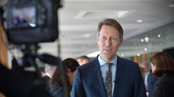 Staatssekretär Georg Schütte hat heute die Wissenschaftsattachés an den ausländischen Botschaften im BMBF empfangen.