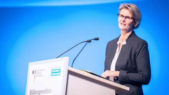 Bundesbildungsministerin Anja Karliczek eröffnet die Bildungsforschungstagung unter dem Motto 'Bildungswelten der Zukunft'