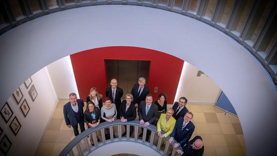 Bundesministerin Anja Karliczek mit den Preisträgerinnen und Preisträgern des Gottfried Wilhelm Leibniz Preises 2019