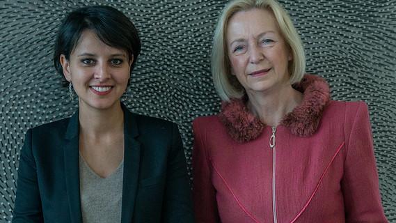 Johanna Wanka neben ihrer französischen Amtskollegin