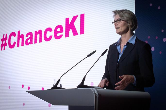 Anja Karliczek, Bundesministerin für Bildung und Forschung, eröffnet in Berlin das Wissenschaftsjahr 2019 zur Künstlichen Intelligenz