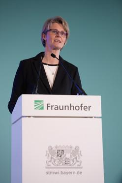 Anja Karliczek, Bundesministerin für Bildung und Forschung, gratulierte der Fraunhofer-Gesellschaft zum 70. Geburtstag.