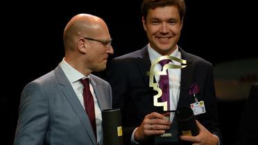 Der Gewinner des Hermes Award 2019 ist NanoWire mit nominierten Lösung \'KlettWelding Tape\'. Im Bild: Olav Birlem, CEO, NanoWired GmbH und Dr. Sebastian Quednau, CTO, NanoWired GmbH
