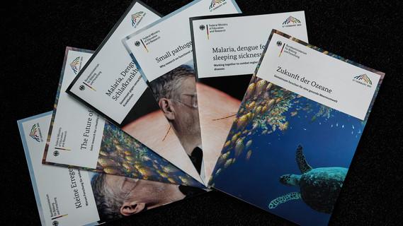 Verschiedene Publikation zu G7