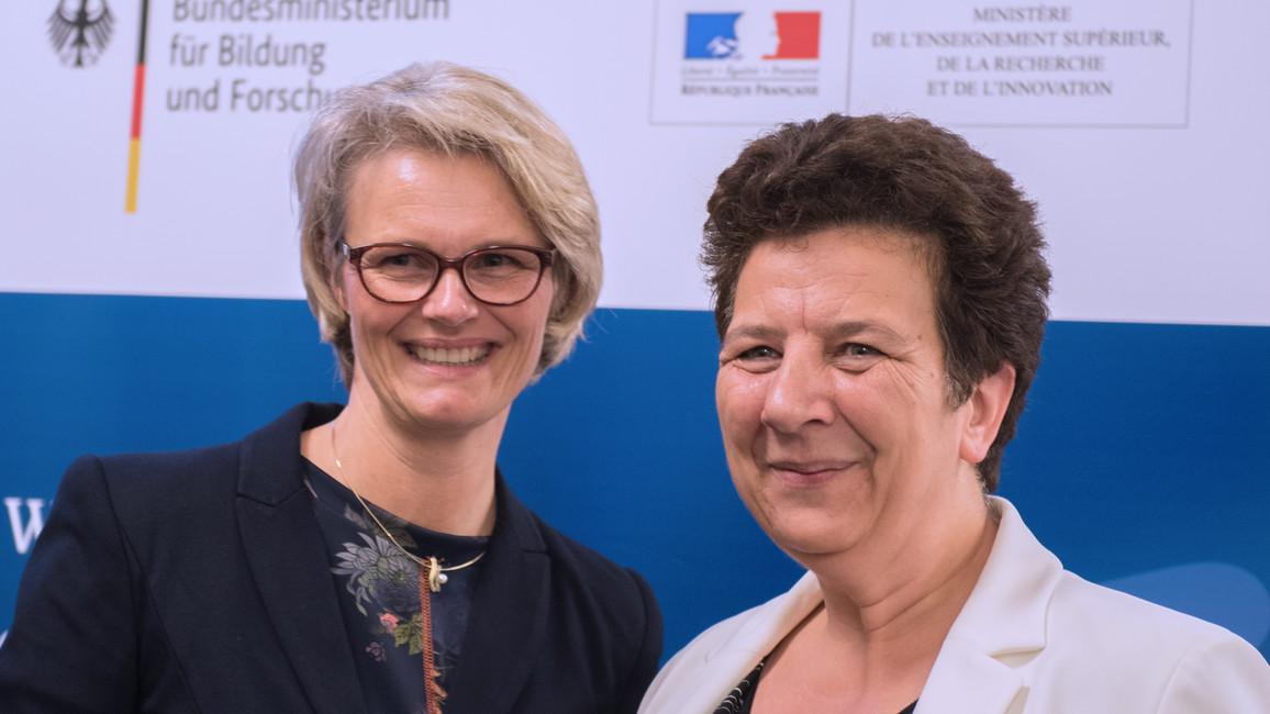 Anja Karliczek und Frédérique Vidal