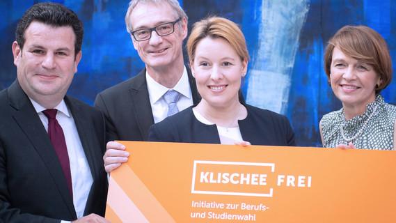 Staatssekretär Christian Luft ehrt Partnerinnen und Partner der Initiative