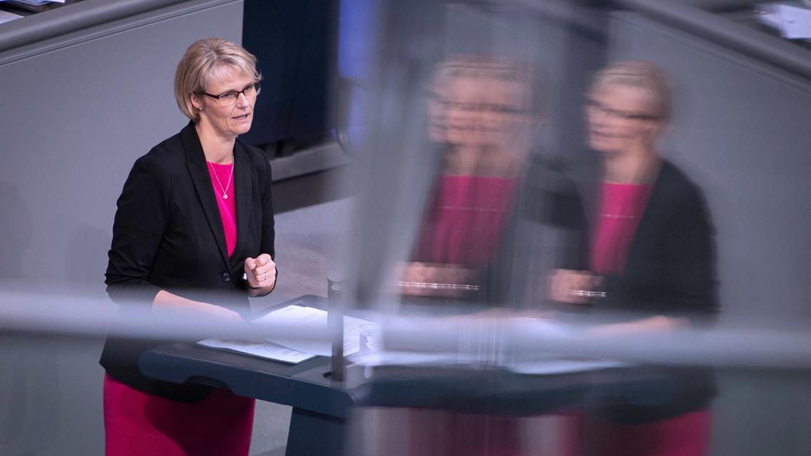 Anja Karliczek, Bundesministerin für Bildung und Forschung, stellt im Deutschen Bundestag den Gesetzentwurf zur Reform des BBiG vor