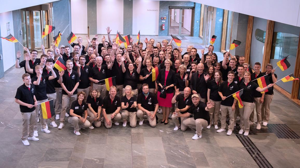 Anja Karliczek empfängt die Teilnehmer der WorldSkills 2019