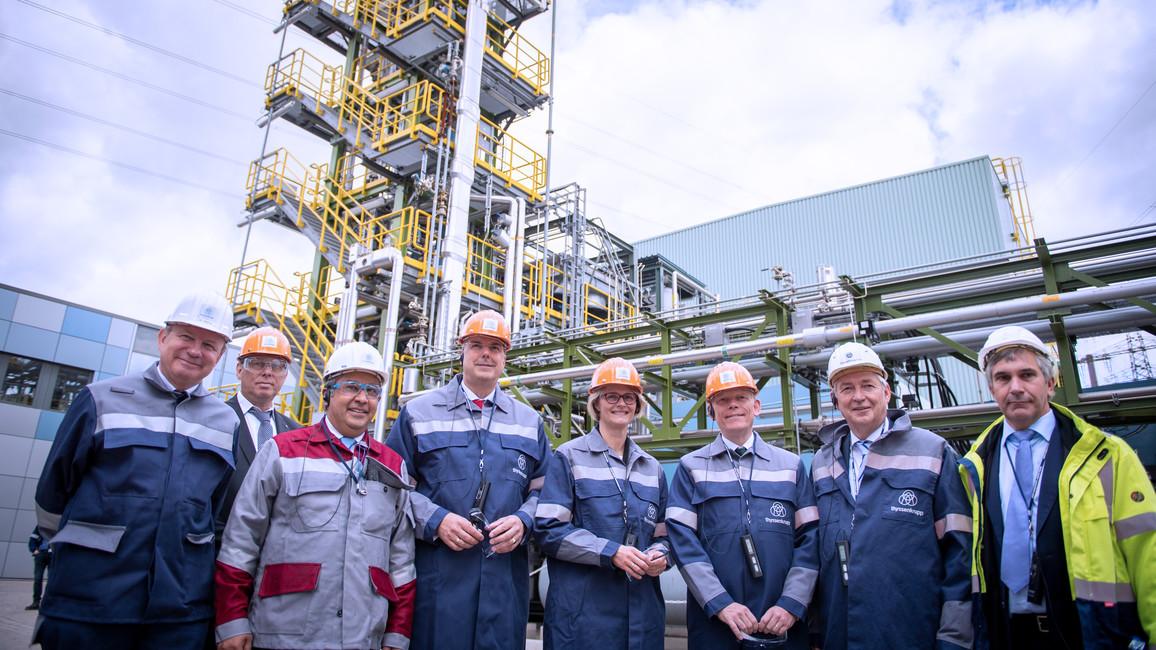 Anja Karliczek besucht ThyssenKrupp