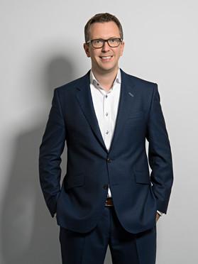Christian Diers will mit seinem Team ein neues Therapiegerät für die Behandlung von Skoliose entwickeln.