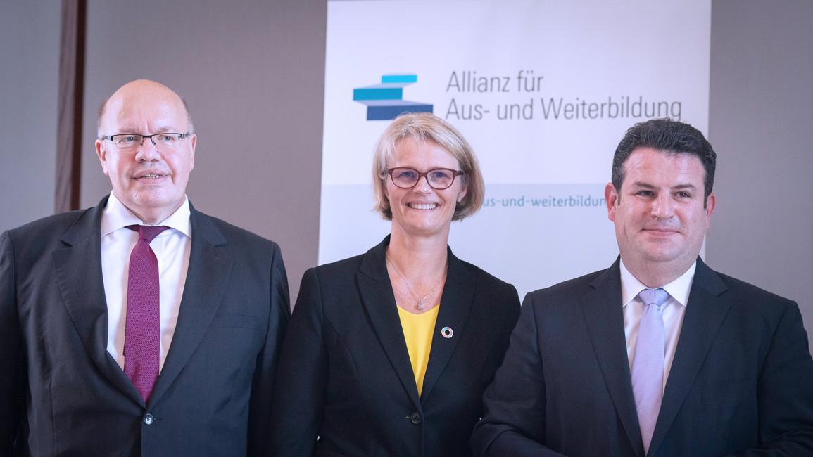 Unterzeichnung Allianz für Aus- und Weiterbildung